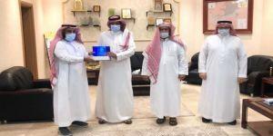 مدير مركز التنمية الاجتماعية بوادي فاطمة يستقبل رئيس مجلس إدارة جمعية البر الخيرية بمحافظة الكامل