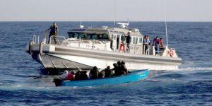 تونس توقف عشرات المهاجرين غير الشرعيين بمركب صيد قبالة سواحل جزيرة جربة