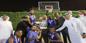 رئيس اتحاد كرة السلة يُتوج الهلال ببطولة الدوري الممتاز 3 × 3