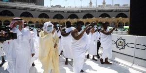 الرئيس السنغالي يؤدي مناسك العمرة