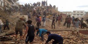 النيبال: مقتل 120 شخصاً في الزلزال الذي ضرب البلاد
