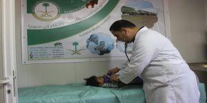(1933) مريضا من الأشقاء السوريين استفادوا من الخدمات الطبية التي قدمتها العيادات التخصصية السعودية في مخيم الزعتري