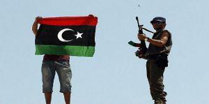 إصابة أربعة جنود إثر انفجار صاروخ في مدينة بنغازي
