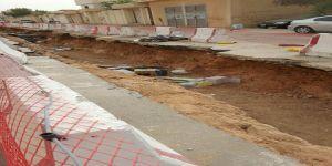 حفريات شارع القضاة بالسويدي بمدينة الرياض تهدد أمن وسلامة المواطنين.