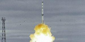 كوريا الشمالية تطلق صاروخا عابر للقارات