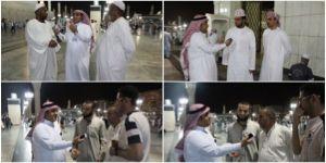 زوار الحرم النبوي الشريف أيادي الدعاء لجنود المملكة البواسل