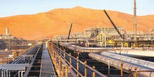 السعودية تعرض تقليص إنتاجها من النفط إذا وافقت إيران على التثبيت