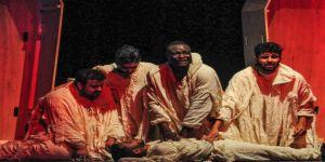 مسرحية نعش تسجّل حضورا مبهرا وتقترب من خطف إحدى جوائز المهرجان