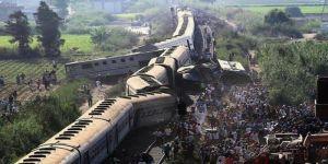 ارتفاع ضحايا حادث تصادم قطاري الإسكندرية إلى 42 قتيلاً.. وسائق أحد القطارين يسلم نفسه للأمن