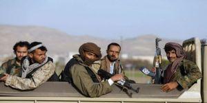 ميليشيا الحوثي تنظم دورات لتعليم الأطفال والجنود عقائدهم الطائفية