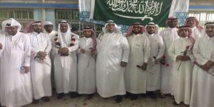 بالورود والهدايا ثانوية الأمير عبدالمجيد تكرم معلميها في يومهم العالمي
