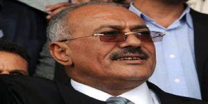 المخلوع صالح يفند أكاذيب الحوثيين حول حالته الصحية ويظهر بعد العملية الجراحية
