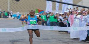 تاميرا مولا يفوز بماراثون الرياض.. والجود يحصل على سيارة
