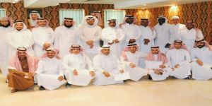 الموارد البشرية بـتعليم مكة تكرم 15 موظفاً مميزاً