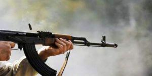 شخص يقتحم شقة سكنية بالمدينة المنورة ويطلق 24 طلقة نارية من كلاشنكوف