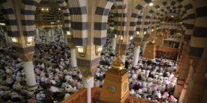 إمام المسجد النبوي : القرآن الكريم هو الحل لمعضلات العالم