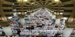أكثر من مليون مصل لختم القرآن الكريم في المسجد النبوي الشريف بالمدينة المنورة 1439هـ