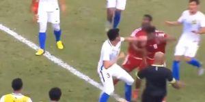 فيديو.. مشاجرة عنيفة بين لاعبي المنتخب الأولمبي الإماراتي ونظيره الماليزي