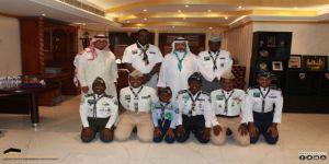 الحربي يقلد أفراد كشافة شباب مكة رتبهم الجديدة