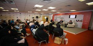 ضيوف الشارقة الدولي للكتاب يبحثون جدلية الإبداع الأدبي العربي