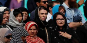 رئيسة وزراء نيوزيلندا تخاطب مشيعي ضحايا مدينة كرايست تشيرتش بحديث نبوي