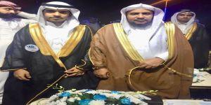 مدير مكتب تعليم الجموم يبارك لابنه أنس تخرجه من جامعة جدة