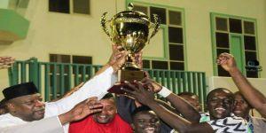 عميد قناصل افريقيا يسلم  منتخب جالية نيجيريا كأس دوري القناصل ويكرم 90 صحيفة إلكترونية ونجوم السوشال ميديا