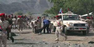 مـقتل أكثر من 30 جندياً يمنياً في اشتباكات داخل لواء حماية رئاسية بعدن