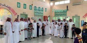 معلمو وطلاب عمر بن عبدالعزيز بالمظيلف يحتفلون بيوم المعلم