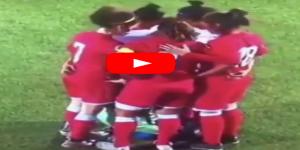 تلاحم لاعبات أردنيات حول لاعبة محجبة لتثبيتها حجابها بعيدا عن عدسات التصوير