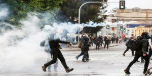 الجيش في تشيلي يعلن حظر التجول والرئيس يلغي زيادة أسعار المواصلات بعد اضطرابات
