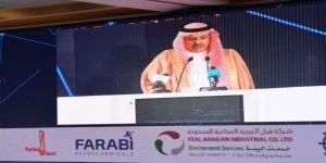 أمير عسير يفتتح ملتقى الطاقة النظيفة في أبها ويشيد بالمشاريع الكهربائية في المنطقة