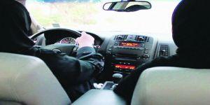 تعليم المرأة قيادة السيارة بشكل غير رسمي .. مابين الإستغلال والإحتيال وضياع الحق