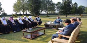رئيس الوزراء الباكستاني يستقبل رئيس مجلس الشورى
