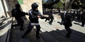 قوات الاحتلال تعتقل فلسطينيين من الخليل