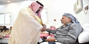 نائب أمير جازان ينقل تعازي القيادة لوالد وذوي الشهيد المالكي