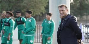 وصول بعثة برنامج مواهب كرة القدم إلى المملكة قادمة من إسبانيا