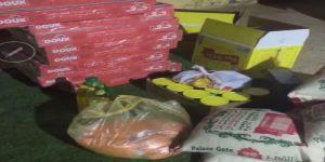 سيدات عرعر يقدمن سلال غذائية للأسر المتضررة من أزمة كورونا بعد توقف أعمالهن في القطاع الخاص