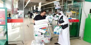 أمانة العاصمة المقدسة توزع معقمات مجاناً شرق مكة