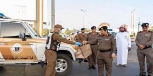 سمو أمير الجوف يعايد العاملين في الميدان ويثمن الجهود المبذولة لحماية المجتمع