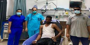 حرس الحدود بالمدينة ينقذ مقيم سوداني من الغرق بشرم ينبع