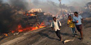 مصرع رجلي أمن صوماليين وضابط أمريكي في انفجار سيارة خارج قاعدة عسكرية