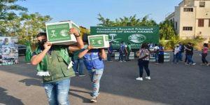 مركز الملك سلمان للإغاثة يواصل توزيع السلال الغذائية للأسر الأكثر احتياجًا في لبنان