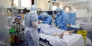 خلال الـ 24 ساعة الماضية الكويت تسجل 3 حالات وفاة و590 إصابة جديدة بكورونا