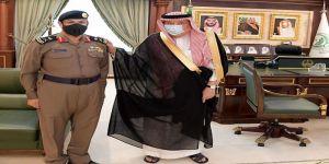أمير منطقة جازان يقلد مدير الدفاع المدني بالمنطقة رتبته الجديدة