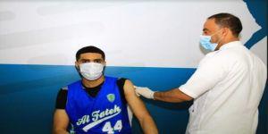200 شخص استفادوا من حملة التطعيم بنادي الفتح بالأحساء