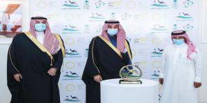وزير الرياضة يتوج الفائزين في ختام منافسات سباق رماح للهجن