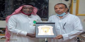 علاقات رابطة فرق احياء مكة تكرم الرائد مصيري