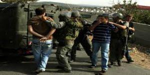 الاحتلال تعتقل فلسطينيين خلال مداهمتها محافظة جنين