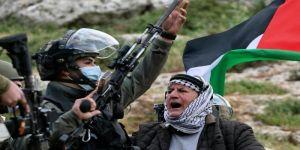 بأبشع أشكال العنصرية والفاشية .. قوات الاحتلال تقمع مسيرات الفلسطينيين السلمية بوحشية